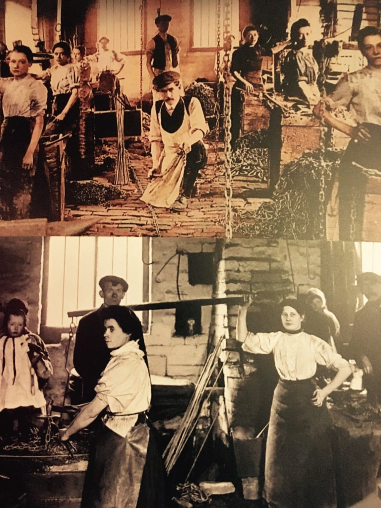 Old photographs of the women chain makers of Cradley Heath in the 1900